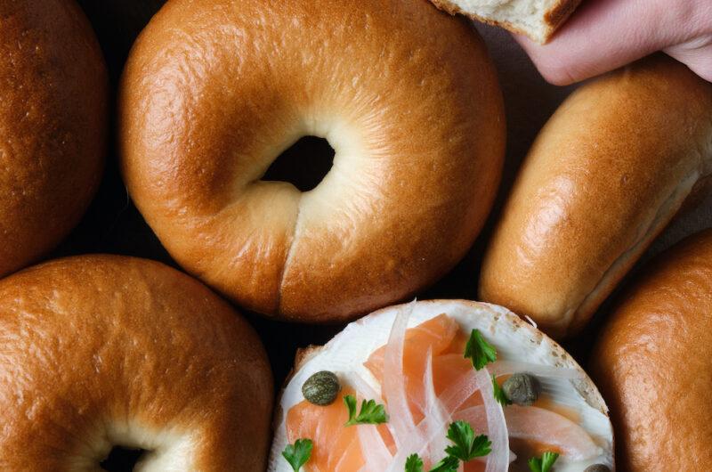 基本のツヤもちプレーンベーグル|朝ごはんにもランチにも、サンドイッチにぴったりのシンプルベーグル