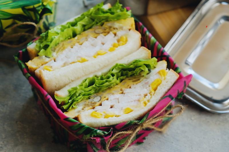 2日目、ボリュームオムレツとしっとり鶏ハムのサンド|作り置き+余り野菜|1週間分のお弁当サンドイッチアイディア