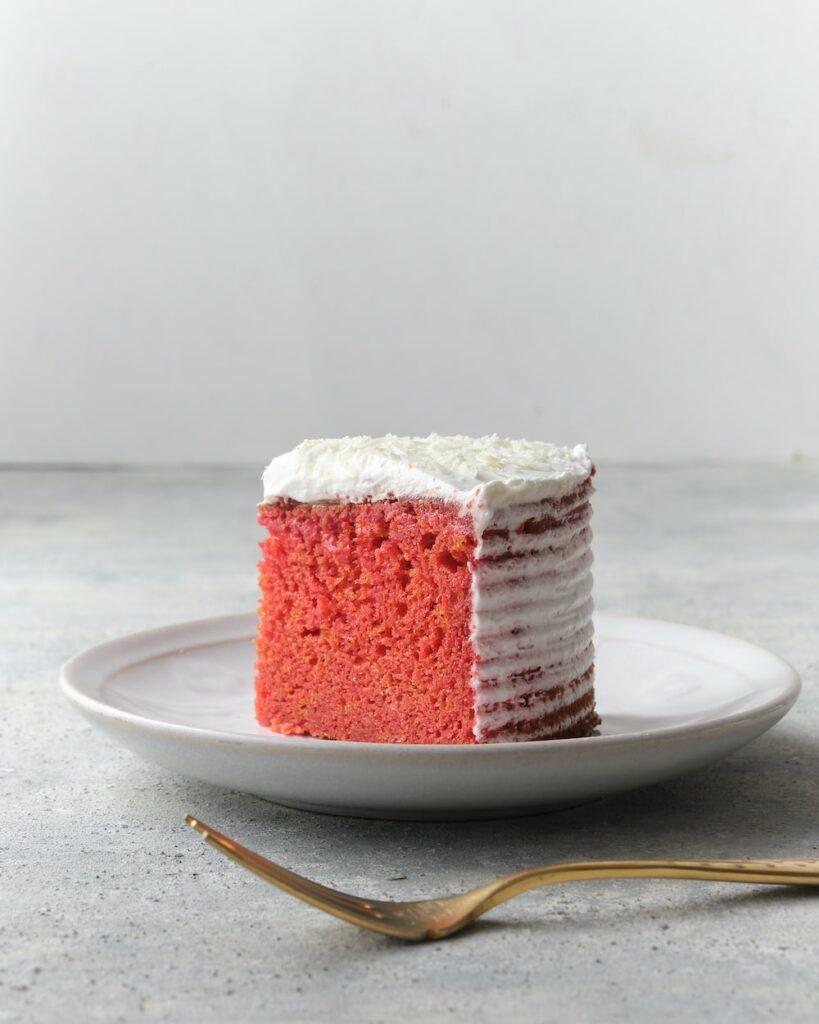 ピンクのビーツチョコレートケーキ