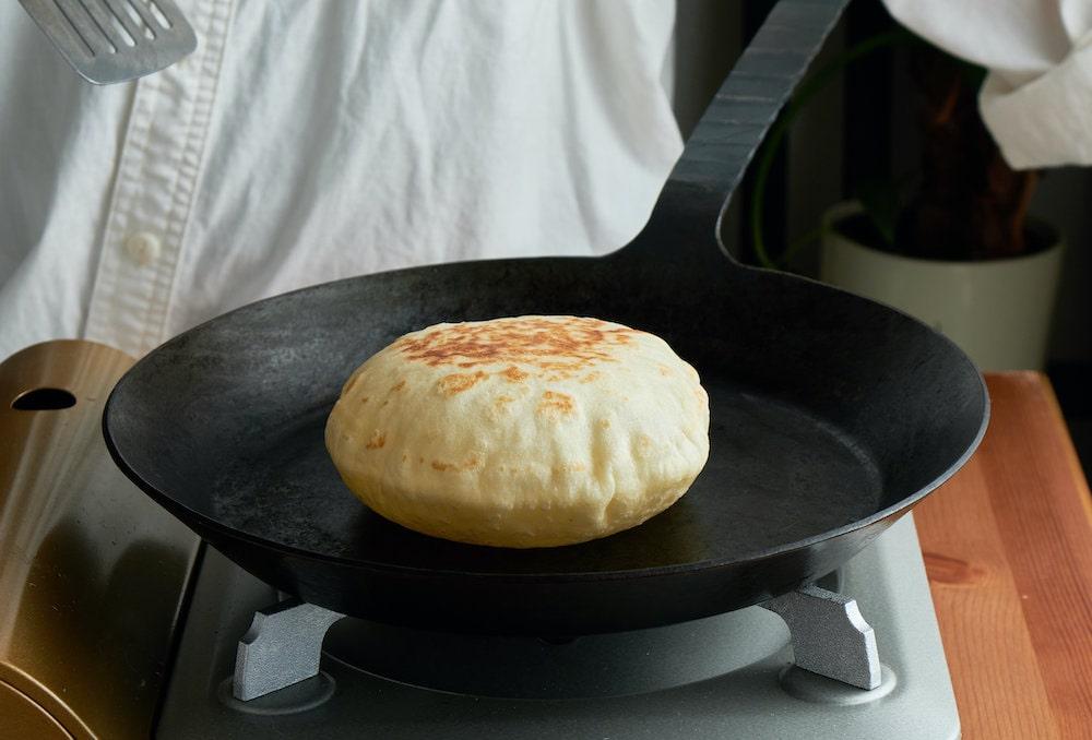 フライパンで簡単に焼けるピタパン