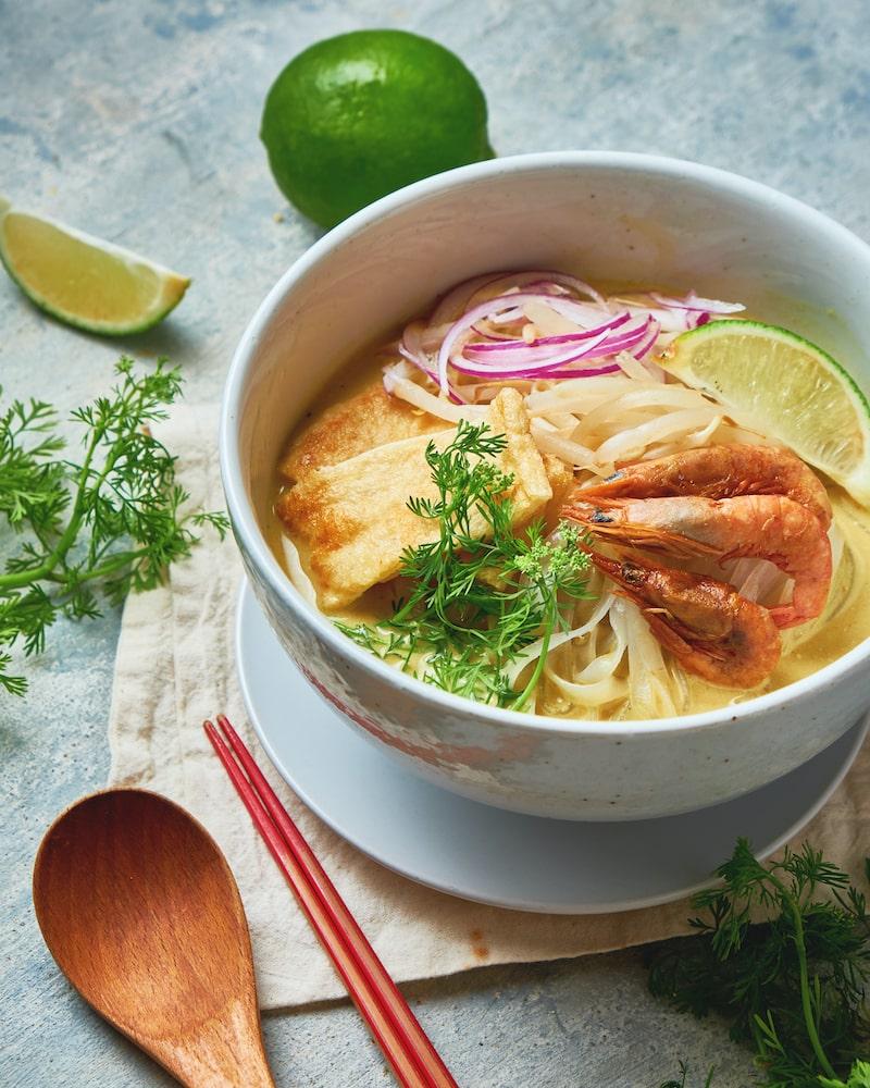 夏に食べたいアジア麺 vol.2|エスニックな海老カレーヌードル|マレーシア風ラクサ